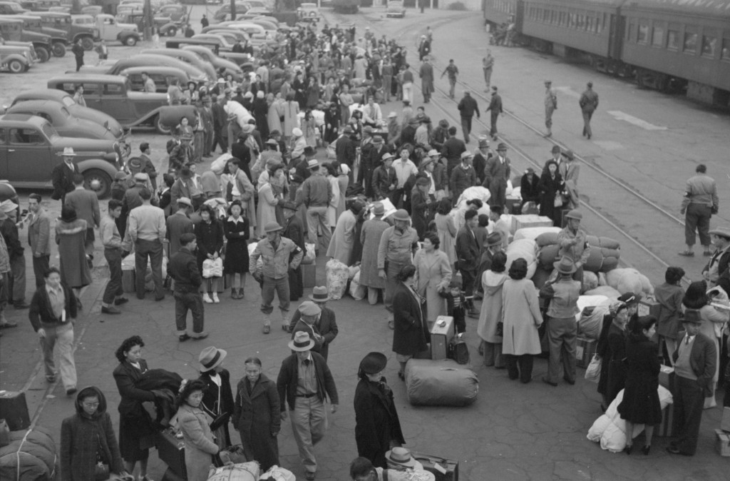 Forced removal of Japanese Americans from Los Angeles, 1942. LC-USF33- 013287-M1.